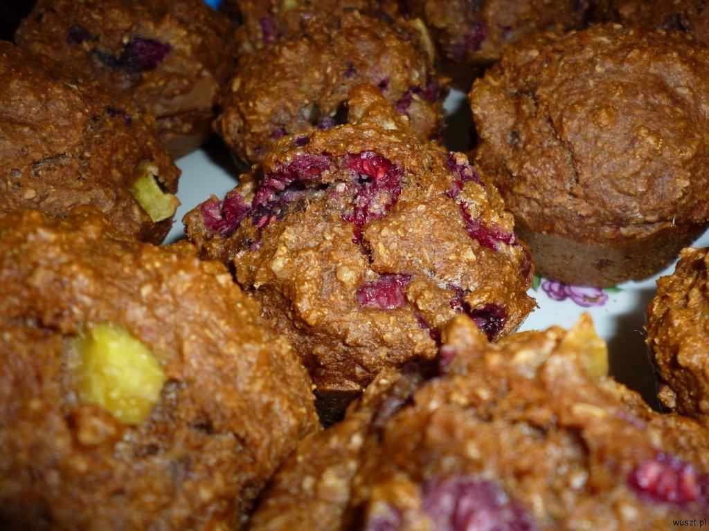 muffinki maliny nektarynki1 22. Muffinki z nektarynkami oraz malinami