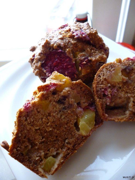 muffinki maliny nektarynki2 22. Muffinki z nektarynkami oraz malinami