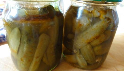 18. Ogórki chili