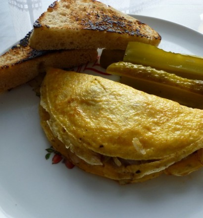 omlet_salami_cebula1