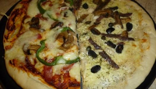 72. 2 x Pizza: z anchois, kaparami i oliwkami + standardowa, na wszelki wypadek ;)