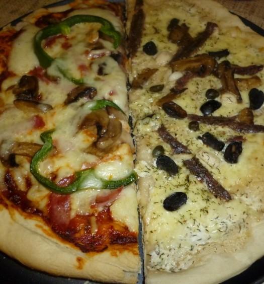 pizze_anchois_szynka_mozzarella