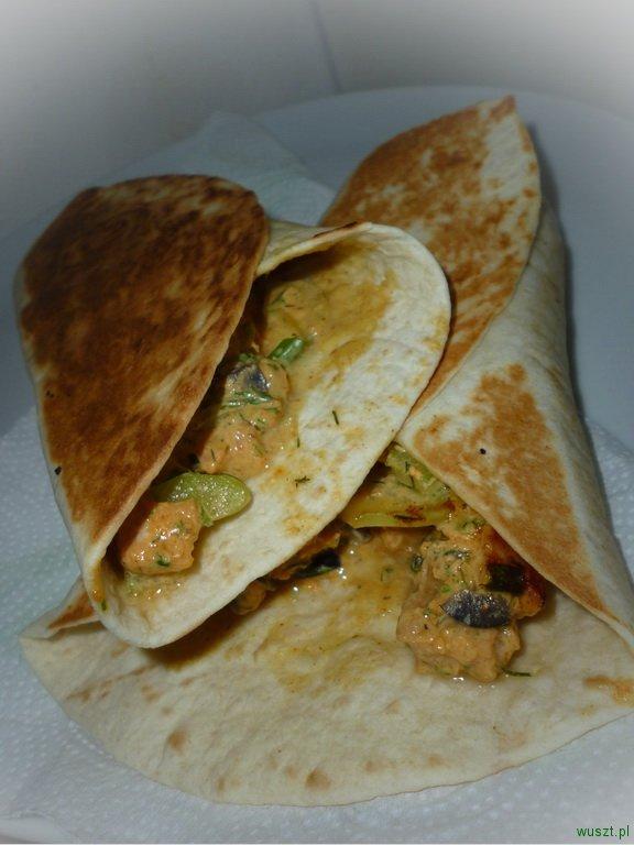 tortilla z lososiem wedzonym1 78. Tortilla z łososiem wędzonym i selerem naciowym