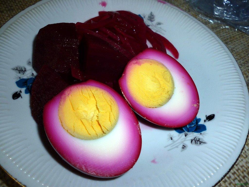 marynowane jajka1 85. Marynowane jajka (buraczki, ocet i cukier!)