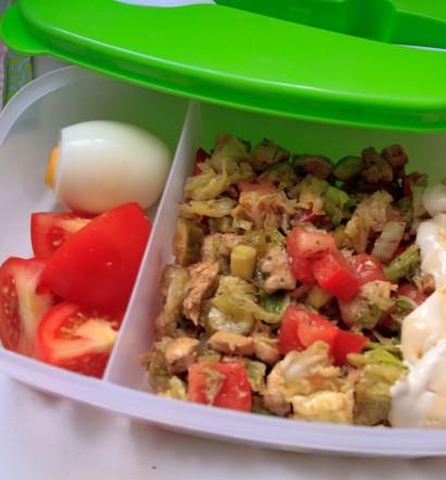lunchbox_na_dzis_salatka_z_kurczakiem1